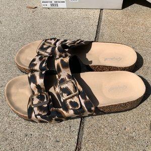 Qupid Leopard Sandals size 8
